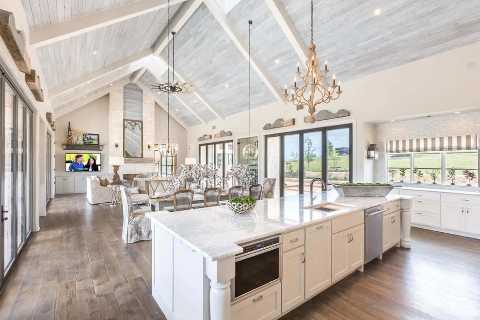 Farmhouse Open Concept Kitchen
