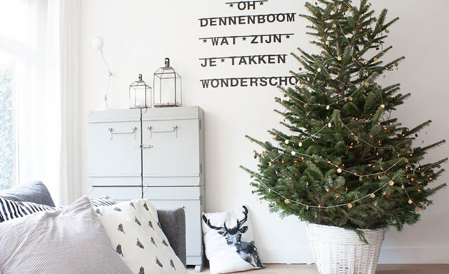 Scandinavian Style Living Room Christmas Decoration