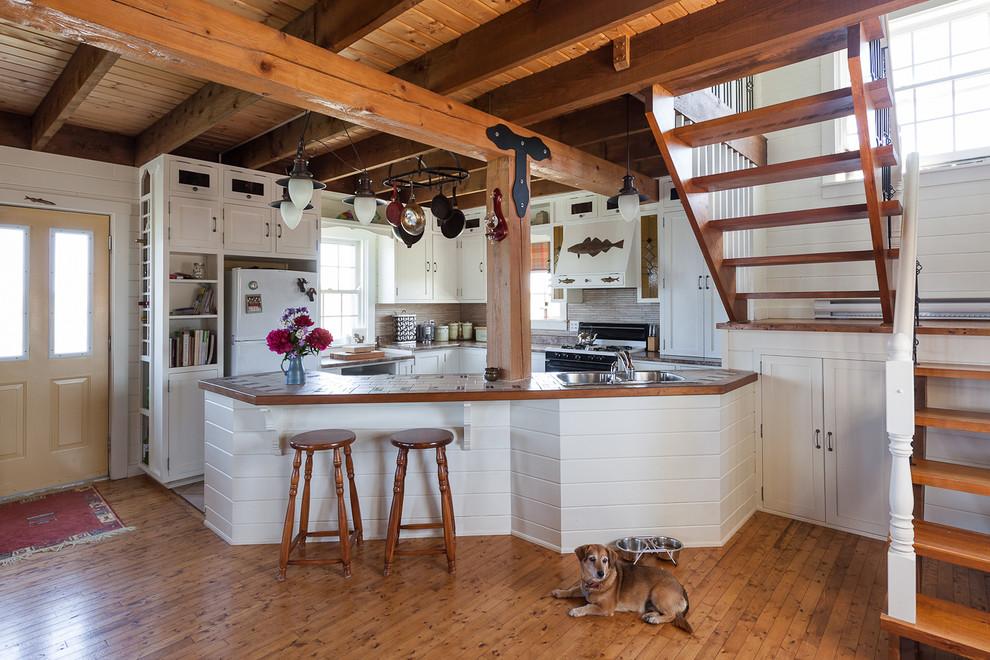 Attic Beach Style Kitchen Design