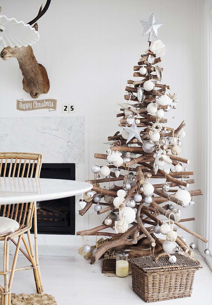 DIY Christmas Tree of Stacked Branches