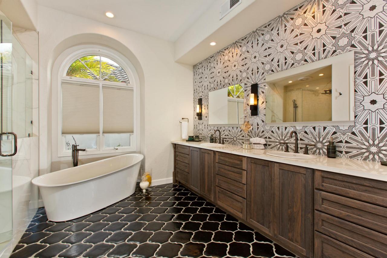 Stylish White Master Bathroom