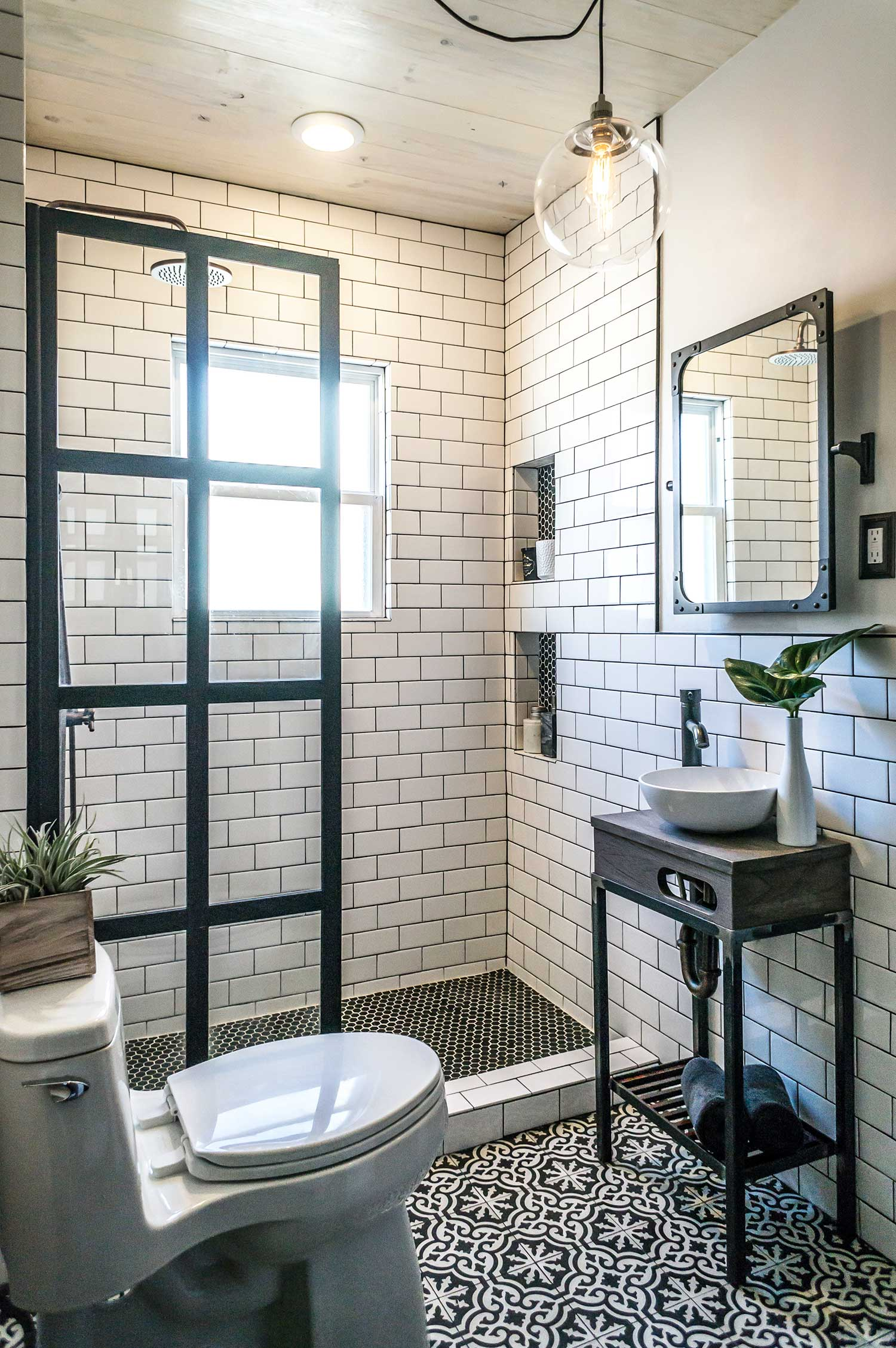 Coastal Style Small Enclosed Shower Bathroom