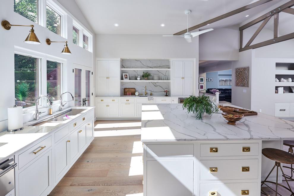 Farmhouse Kitchen With White Quartz Countertops Dwellingdecor
