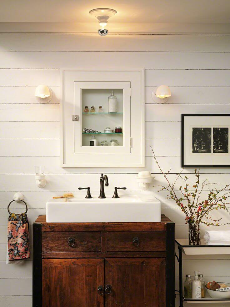 Farmhouse Style Small Bathroom