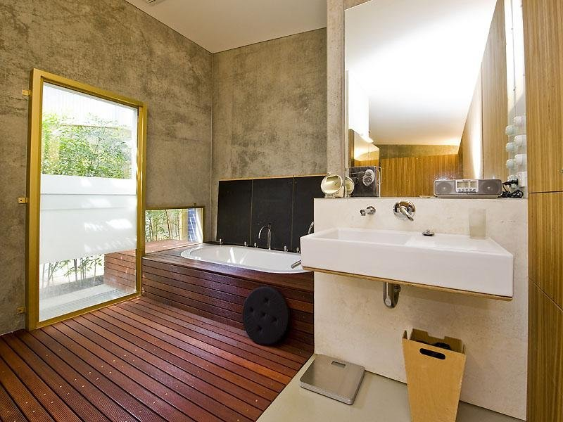 Industrial Bathroom Design With Wood & Concrete