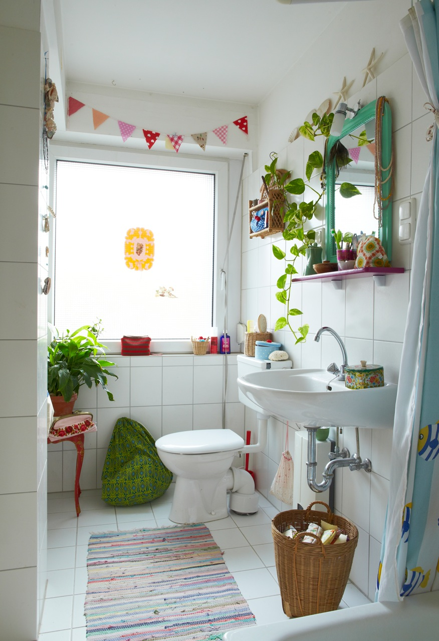 Traditional Kids Bathroom Design