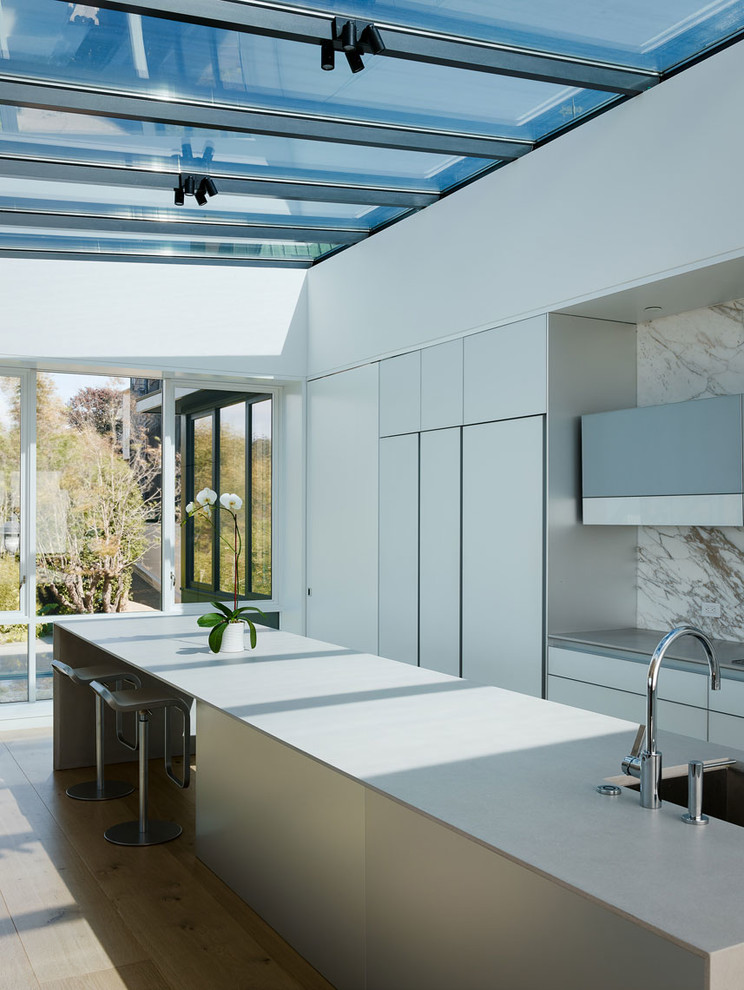 Trendy Contemporary I-shaped Eat in Kitchen