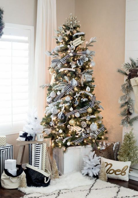 Black and White Christmas Tree Dwellingdecor