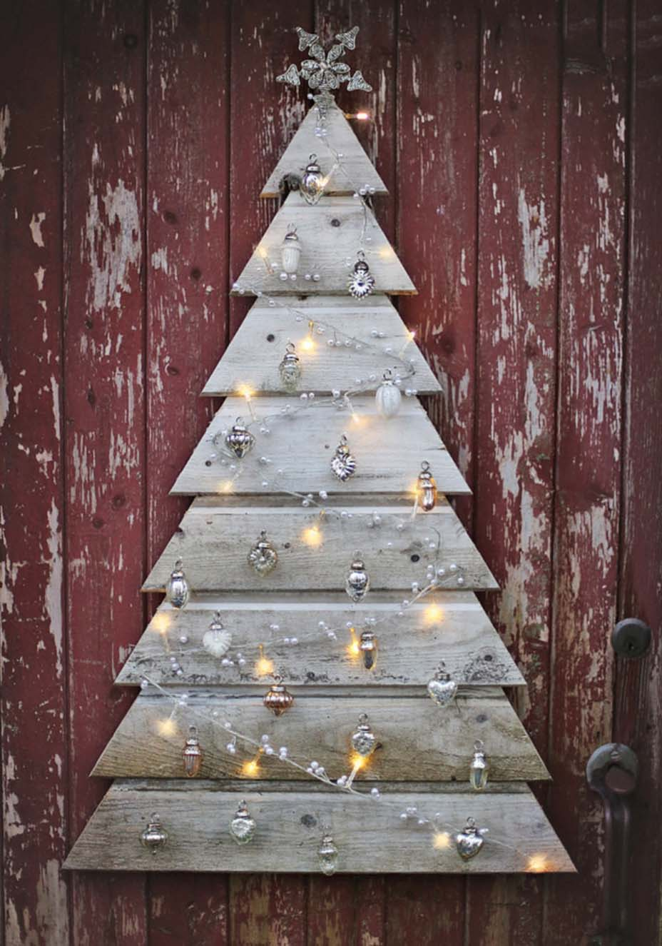DIY Pallet Christmas Tree Alternatives dwellingdecor