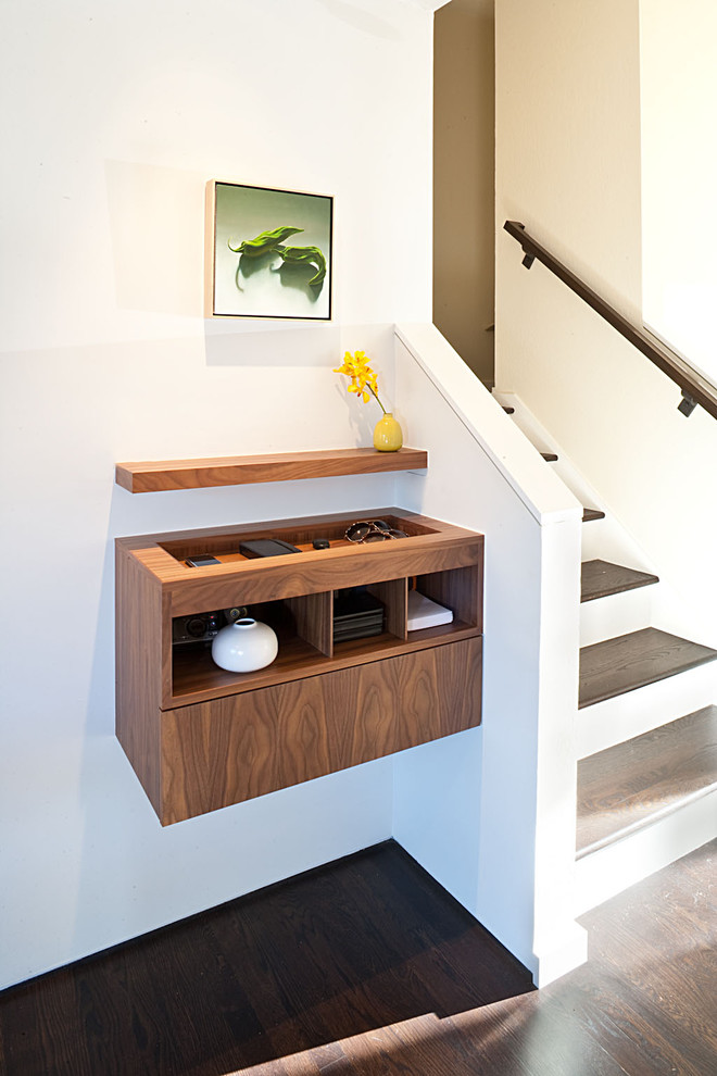 Midcentury Entryway Smart Storage Ideas