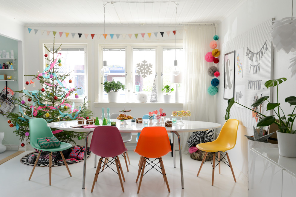 Scandinavian Dining Room Christmas Tree Dwellingdecor