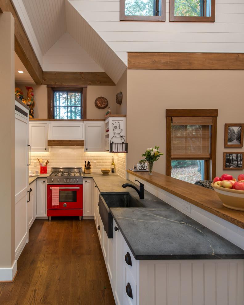 Small Farmhouse Kitchen Dwellingdecor