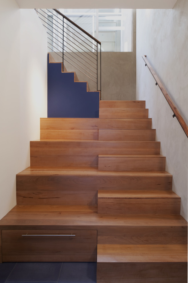 Smart Modern Staircase With Shelves