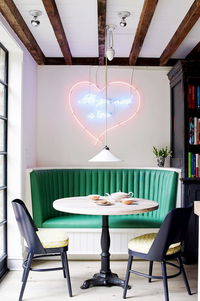 Breakfast Nook Ideas For Your Kitchen dwellingdecor (33)