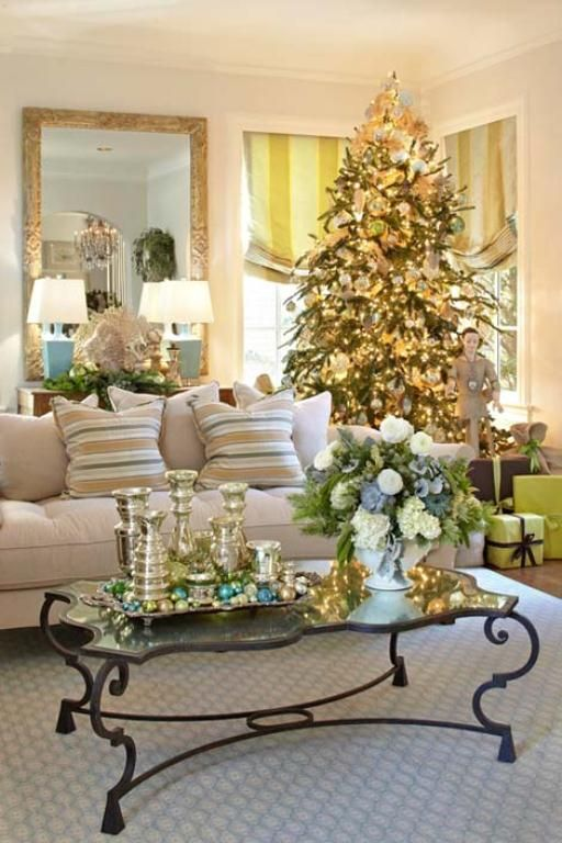 Christmas Living Room Decorations dwellingdecor (17)