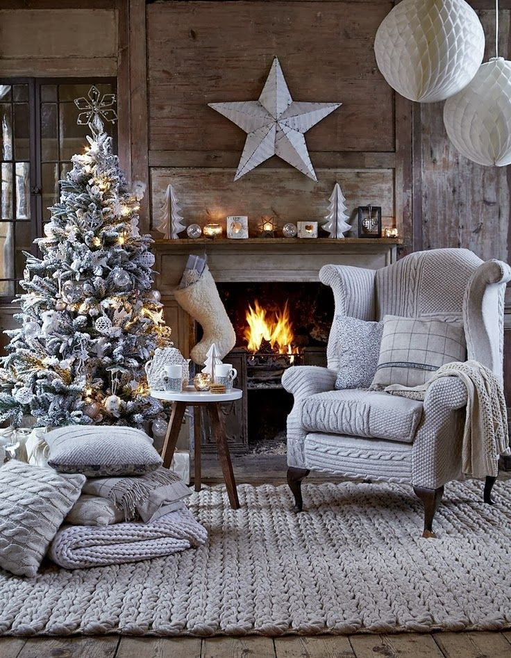 Christmas Living Room Decorations dwellingdecor (18)