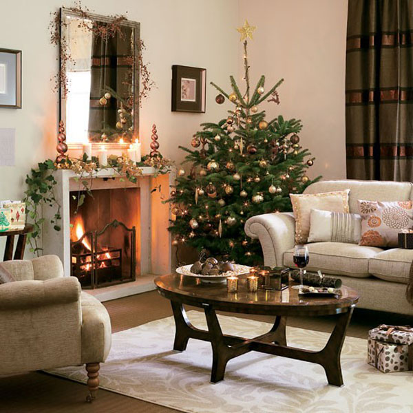 Christmas Living Room Decorations dwellingdecor (19)
