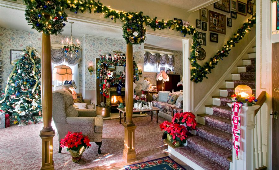 Christmas Living Room Decorations dwellingdecor (27)