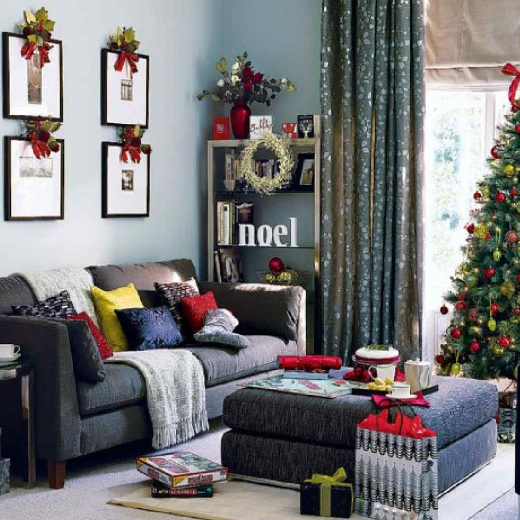 Christmas Living Room Decorations dwellingdecor (3)