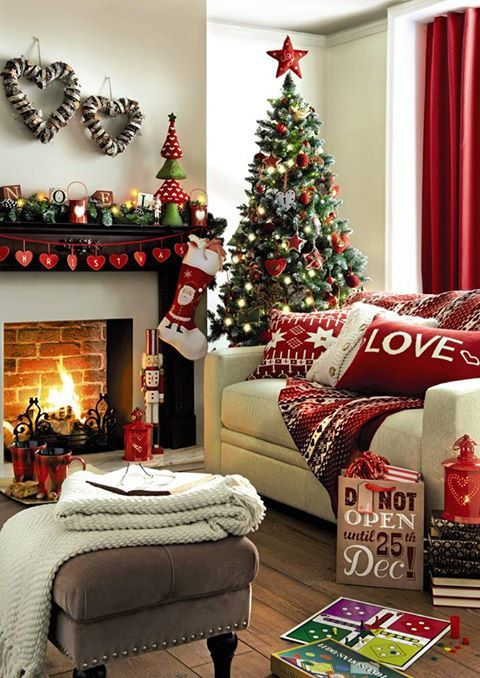 Christmas Living Room Decorations dwellingdecor (6)