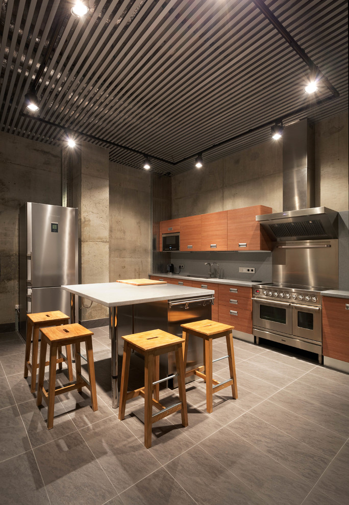 Large Industrial Porcelain Floor Enclosed Kitchen