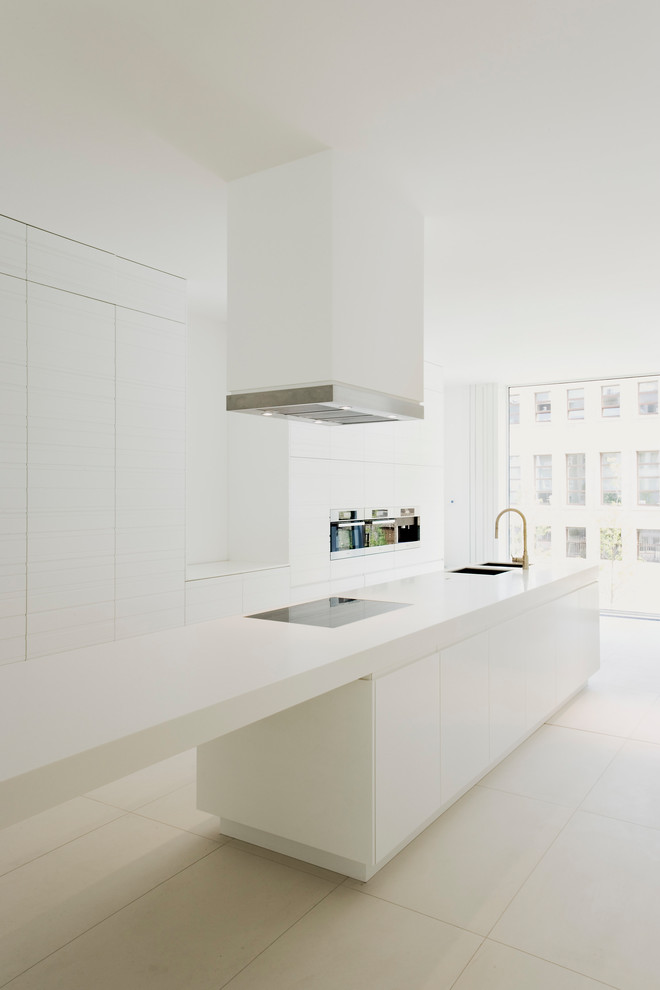 Modern All White Kitchen Design