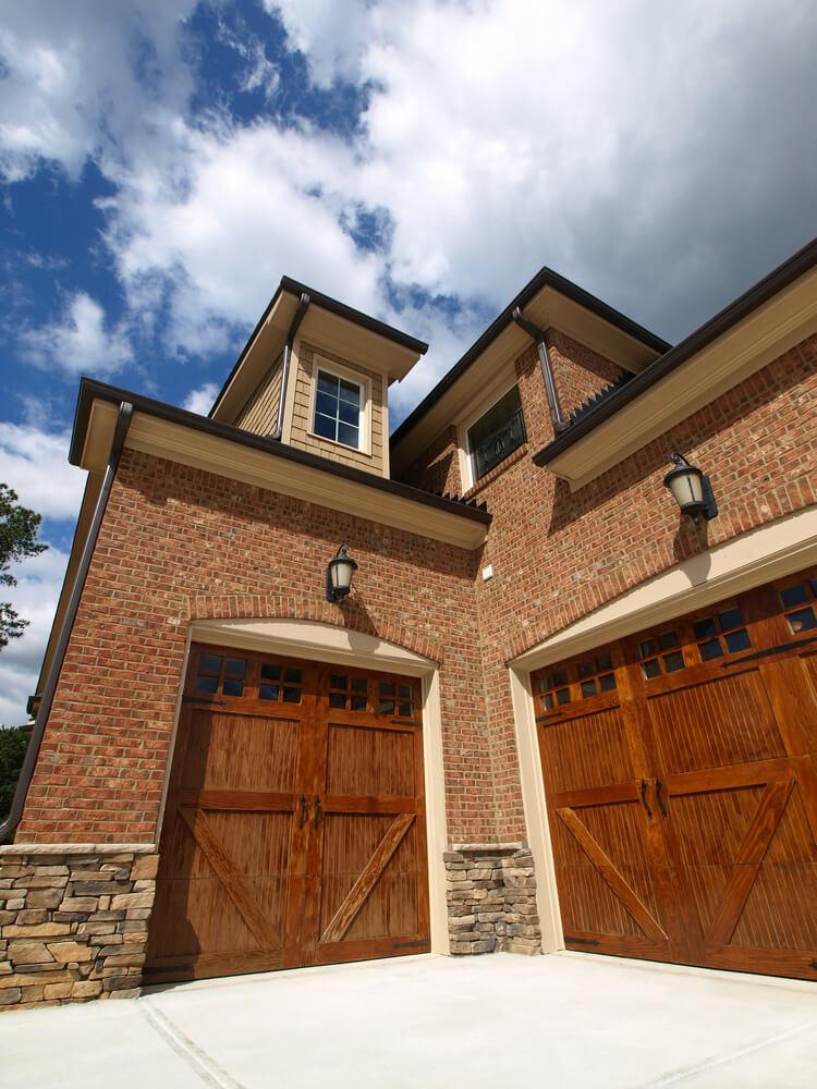 Brick Home Features Unique Garage Dwellingdecor