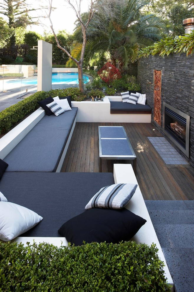 Boldly Styled Contemporary Patio Dwellingdecor