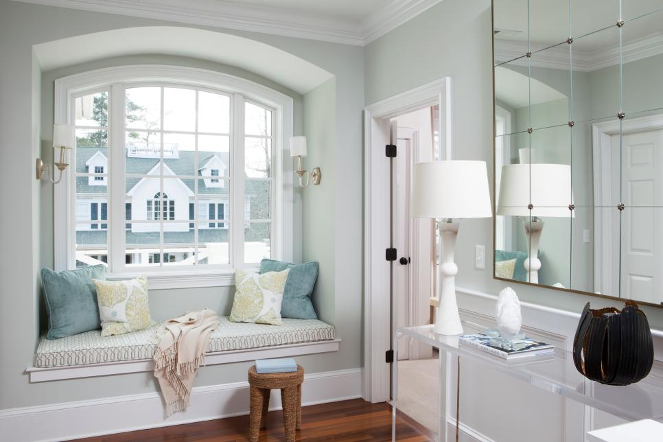 Built-in Window Seat Dwellingdecor