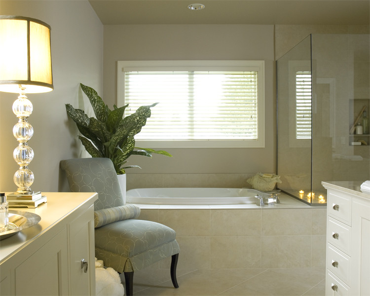 Classic Contemoparary Spa Bathroom dwellingdecor