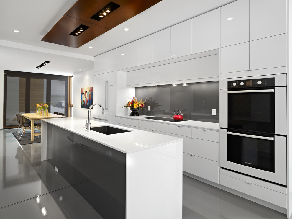 Contemporary Galley Eat-in Kitchen