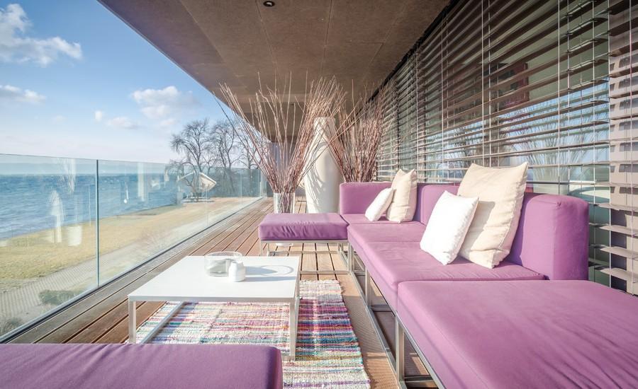 Contemporary Glass Railing Balcony Garden Dwellingdecor