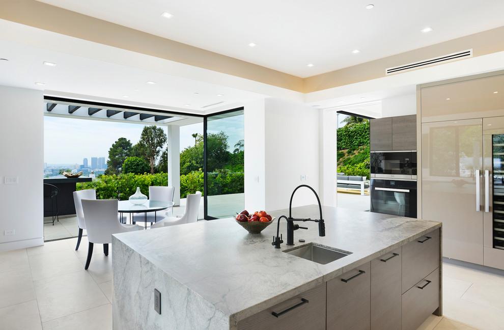 Contemporary House Family Room dwelligdecor