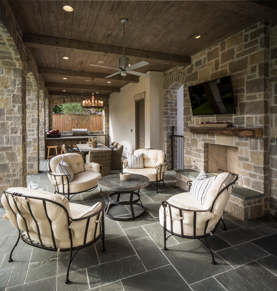 Indoor Patio With Large Space & Traditional Furniture Dwellingdecor