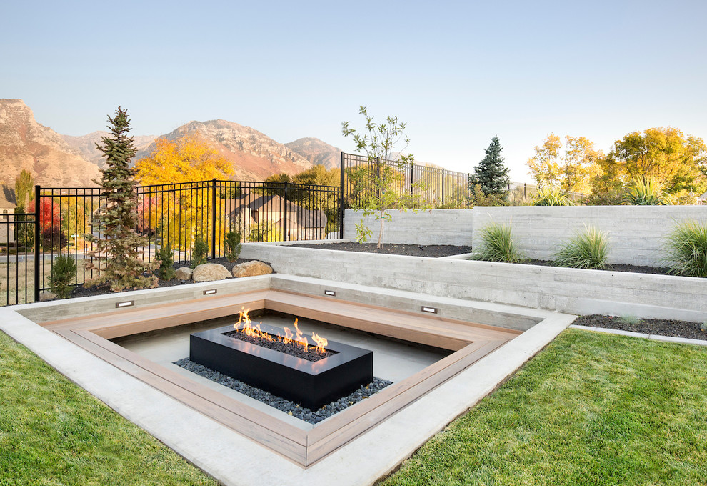 Stunning patio With Gas Fire Pits dwellingdecor