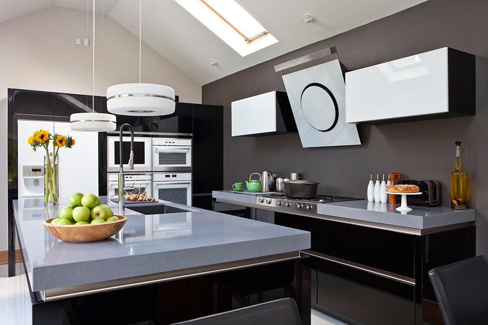 Stylish Monochrome Scheme Contemporary Kitchen Dwellingdecor