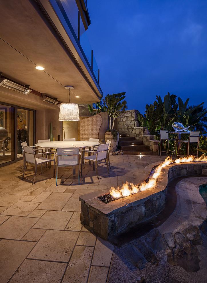 Tropical Patio With Modern Furnishing dwellingdecor