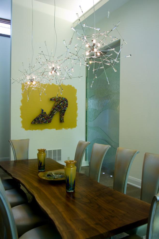 Unique Pendant Light Decoration DIning Table