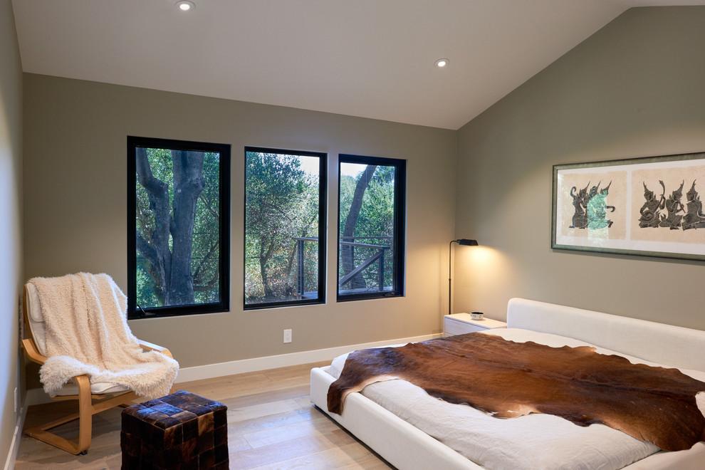 Contemporary Platform Bed (11)