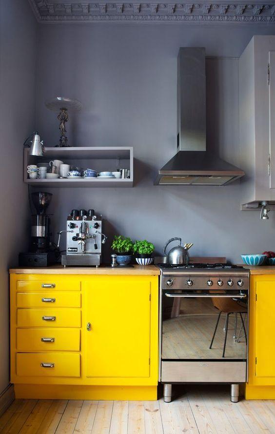 Charming yellow kitchen