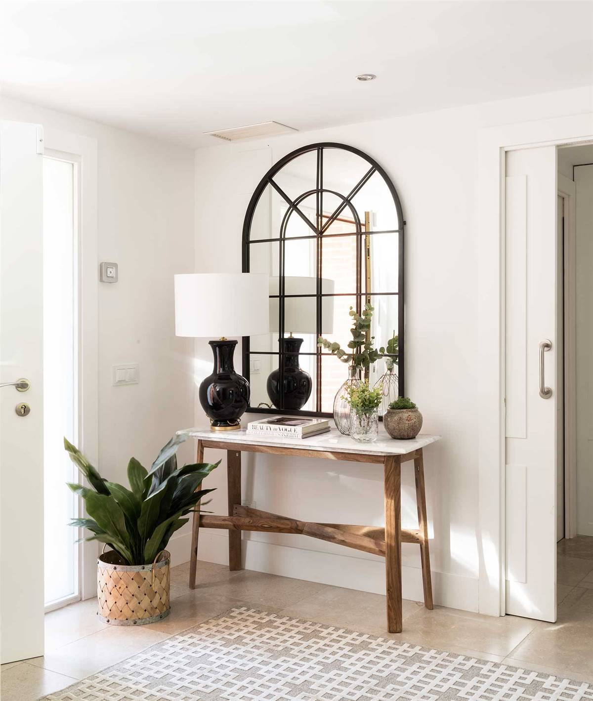 Hallway Decor Ideas12