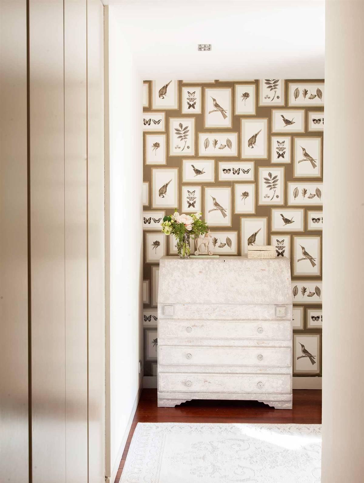 Hallway Decor Ideas13