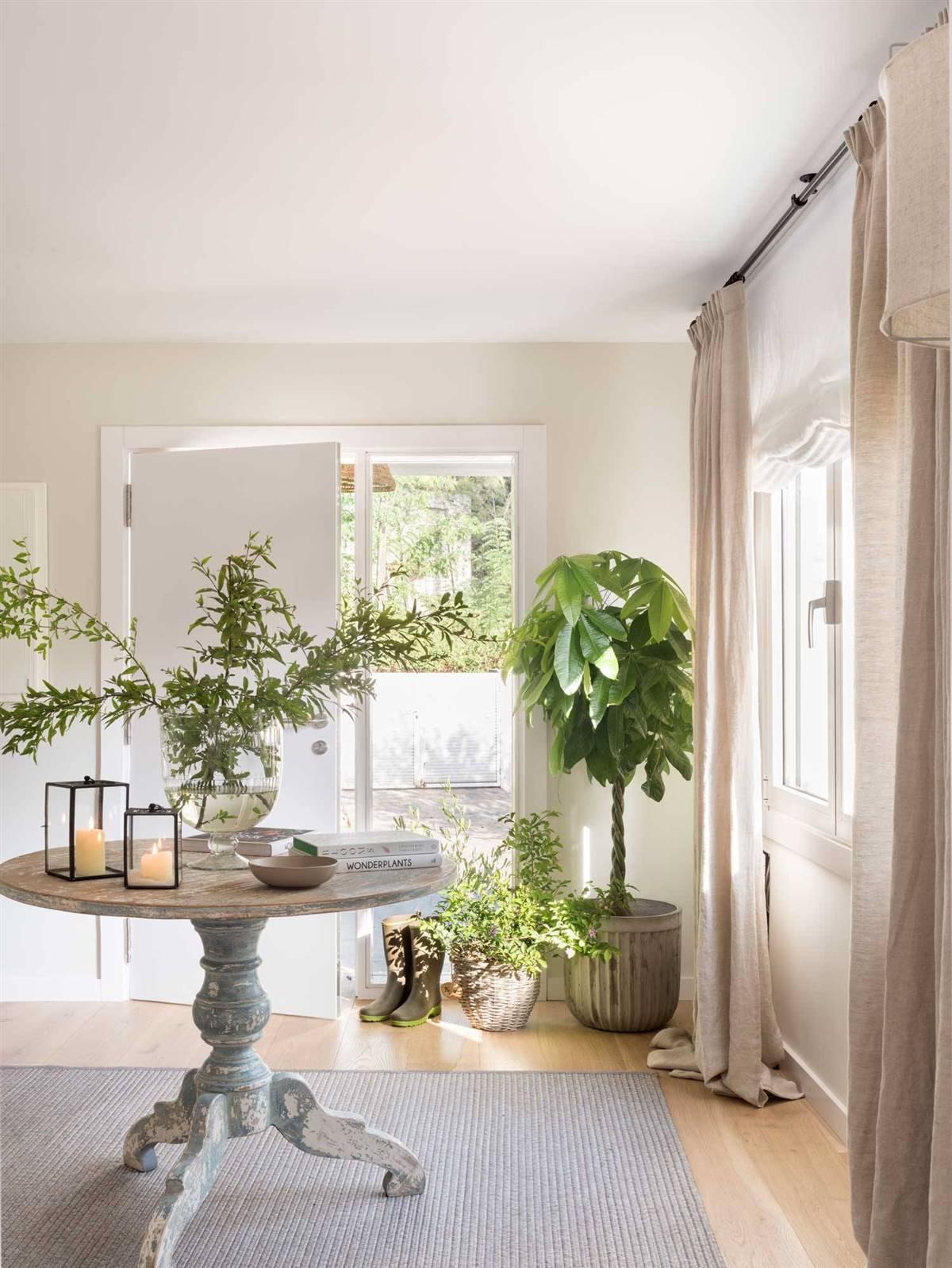 Hallway Decor Ideas15