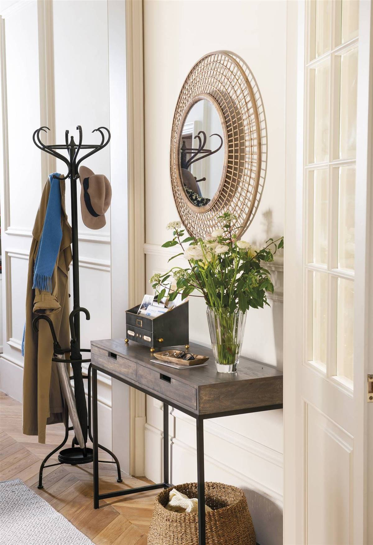 Hallway Decor Ideas19