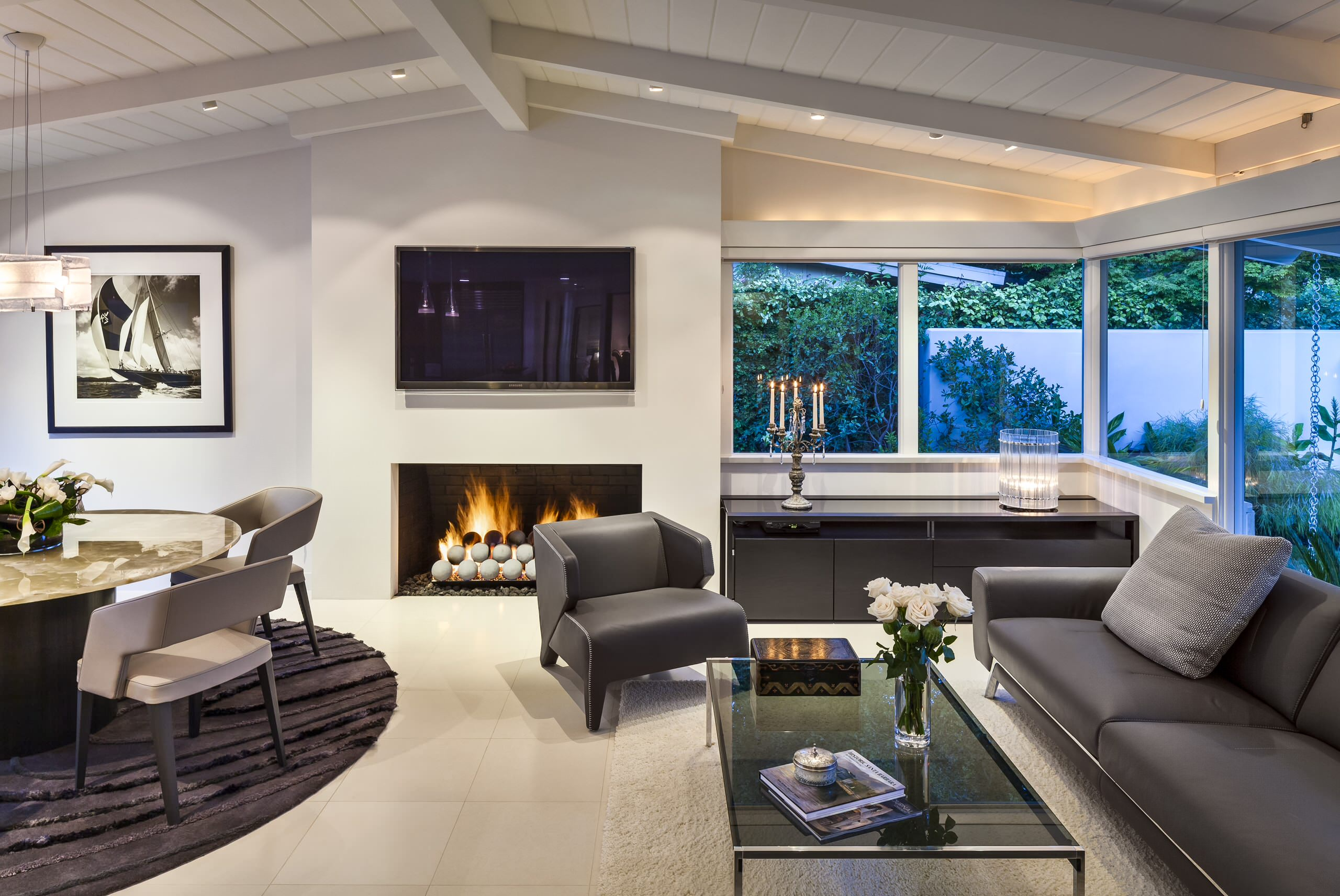 Living room in light and neutral tones