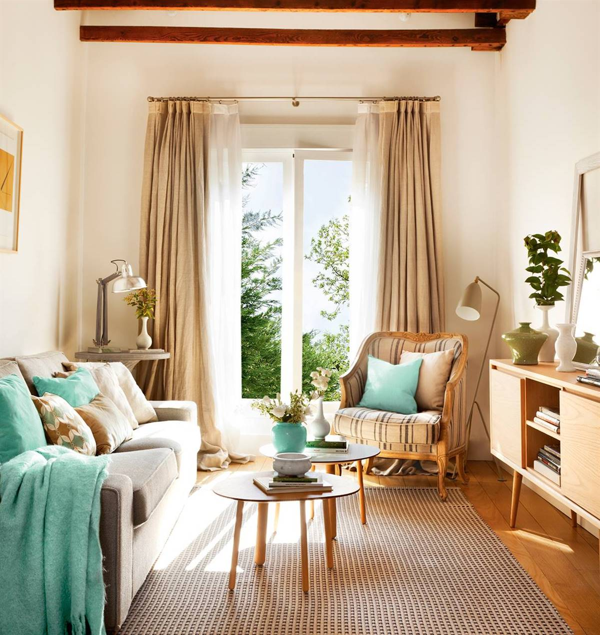Small Living Rooms25
