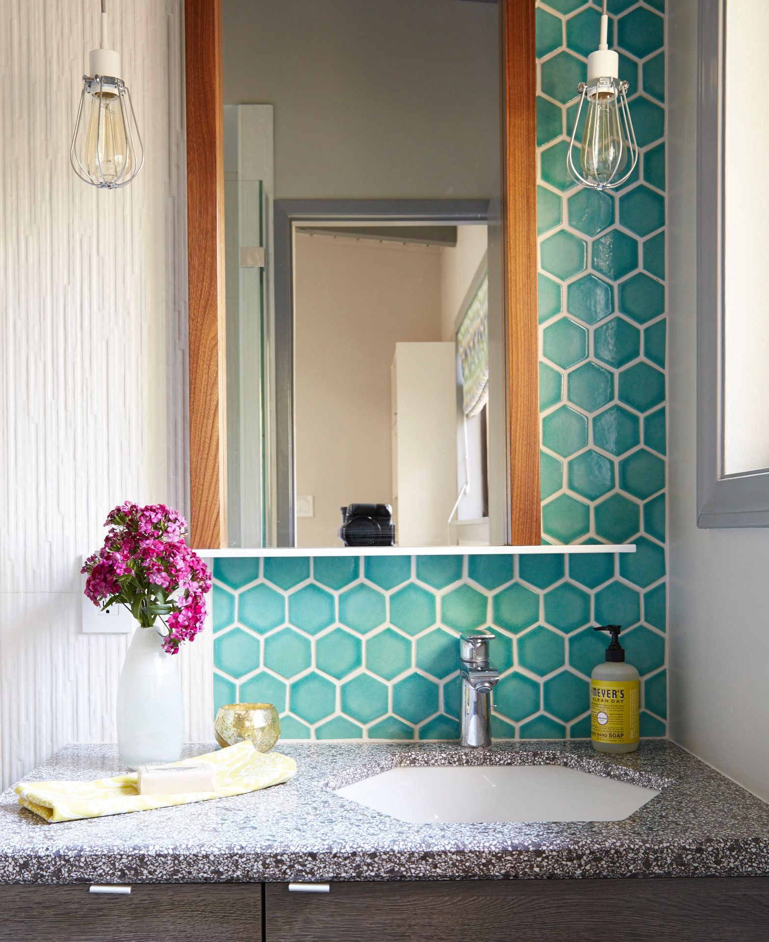 hexagonal sink
