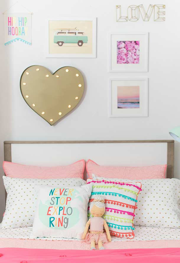 Bed and wall decoration