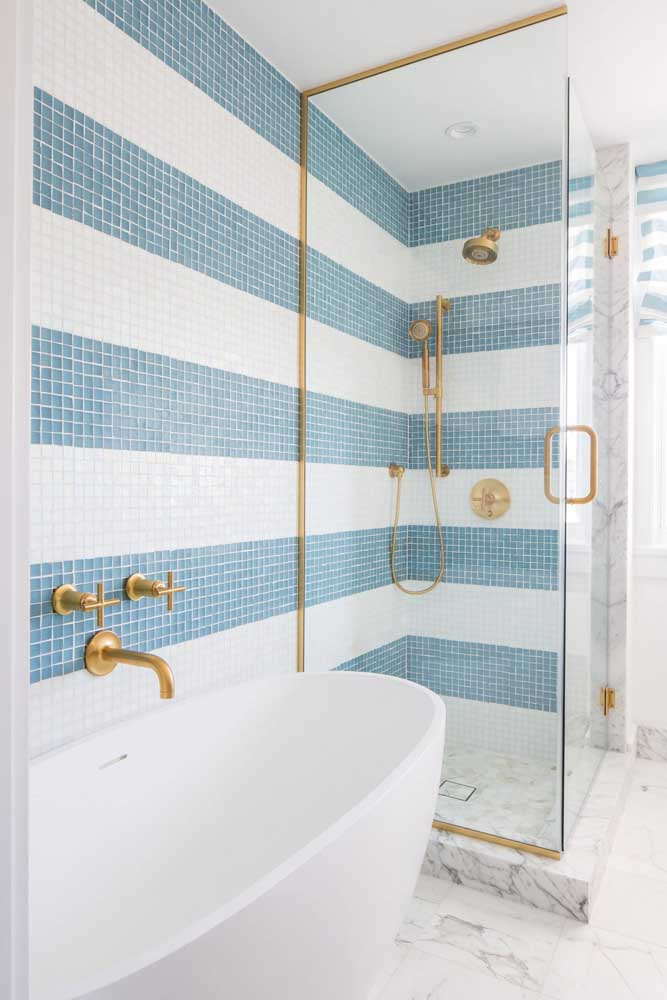Victorian bathtub for the small, modern bathroom.