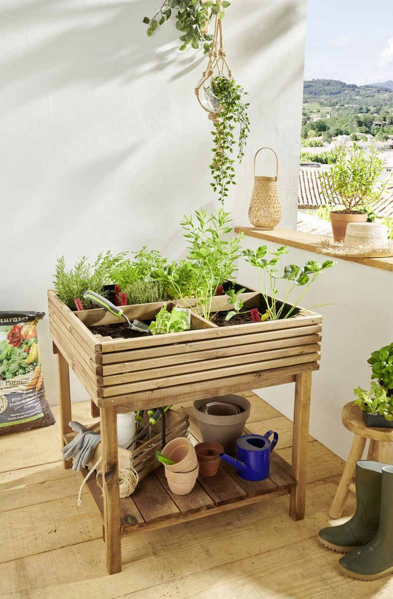 06 - The spirit of the kitchen garden in a standing planter